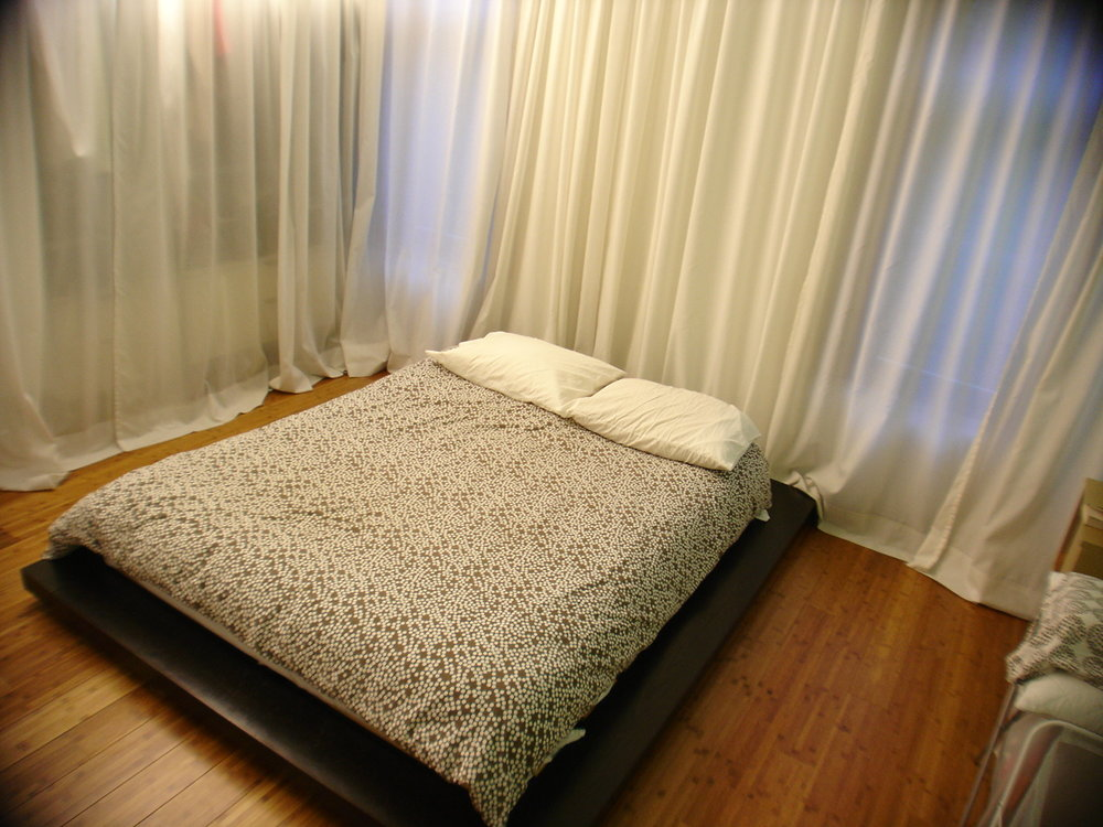 2415 BEDROOM PLATFORM BED - OOMBRA ARCHITECTS ©