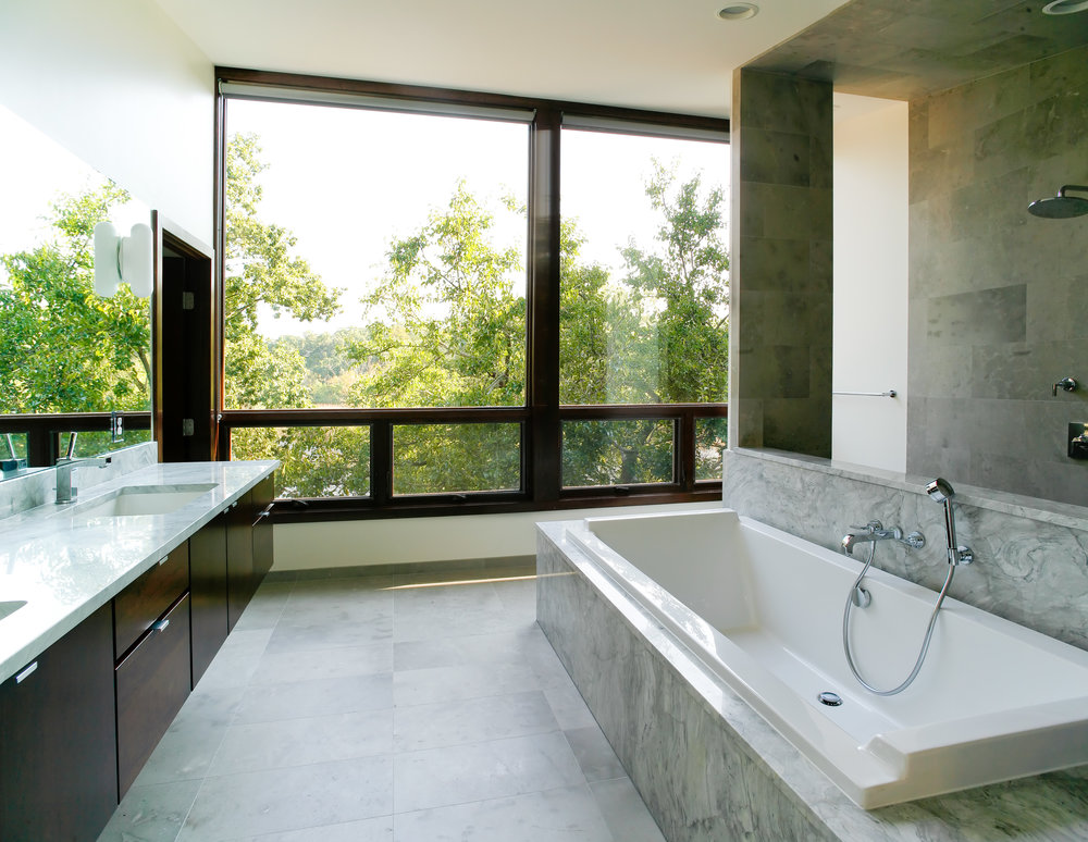 CARLSON RESIDENCE MARBLE BATH - OOMBRA ARCHITECTS
