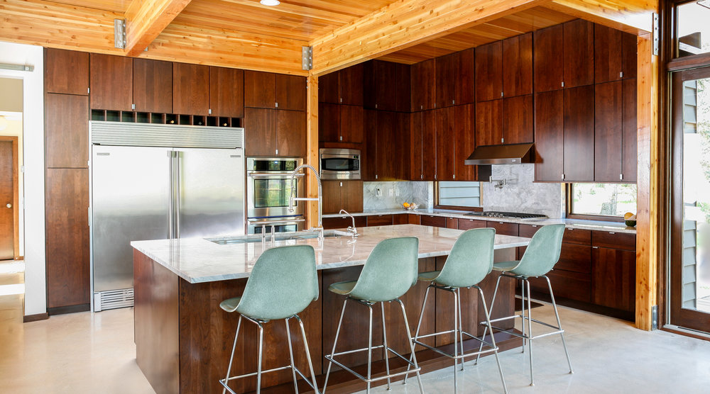 CARLSON RESIDENCE DINING MINT EAMES CHAIRS - OOMBRA ARCHITECTS