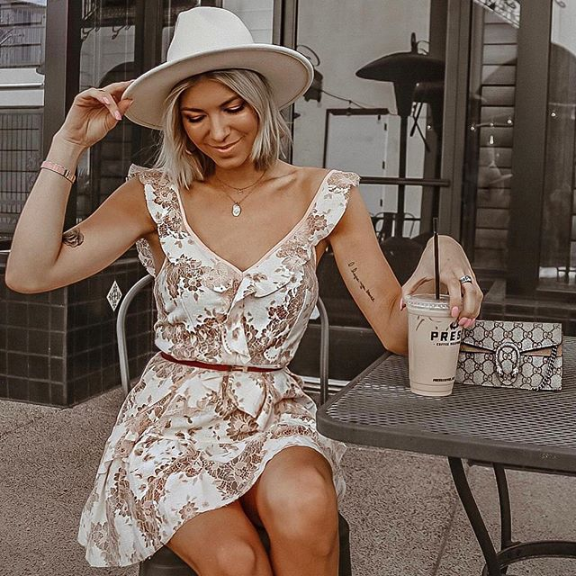 Mid-afternoon pick me up w/ @amandalynrose in the Finch Ruffle Mini Dress 💛✨ #sugarlipsxme