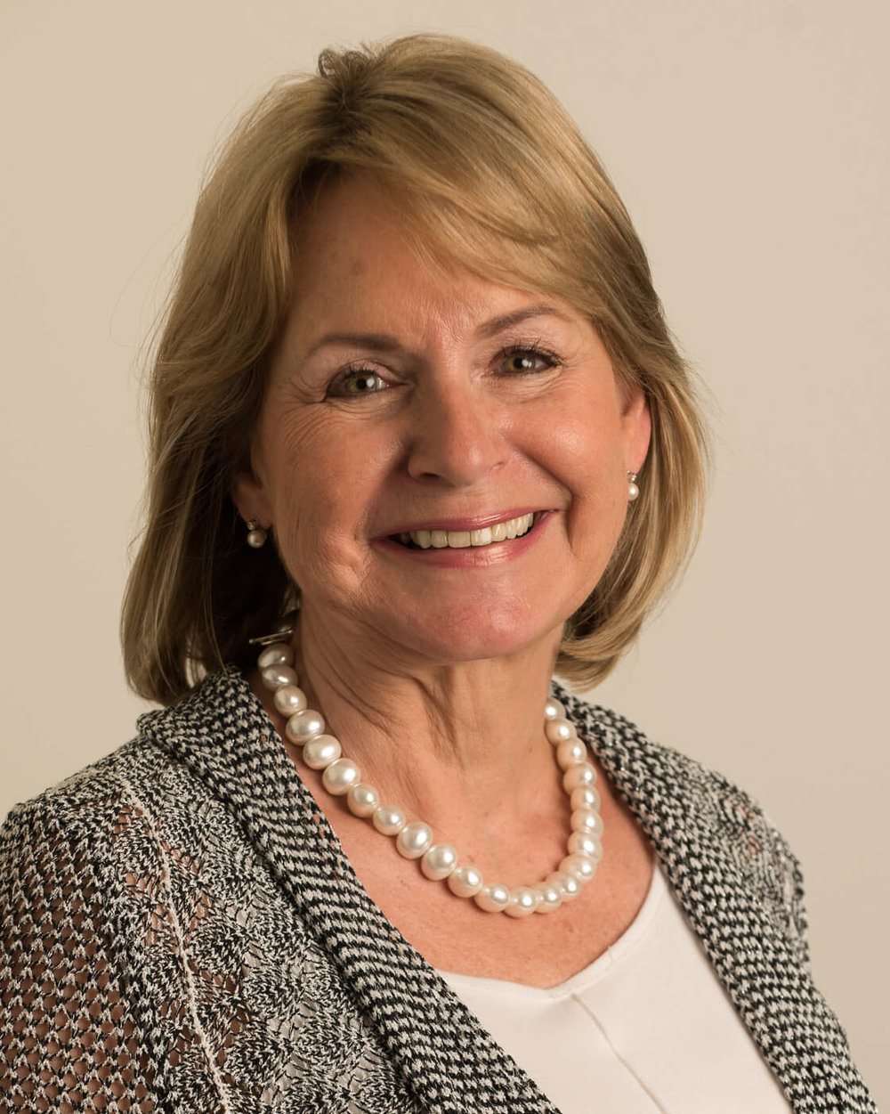"""Barbara Schönhofer - Executive Vice President and Chief Executive Officer, International Executive Search, for The Jacobson GroupDecember Luncheon 2015""""Behaviours and Leadership skills required for the C-Suite."""""""