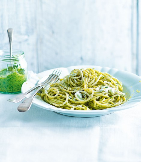 Spaghetti with Walnut Pesto and Goat's Cheese