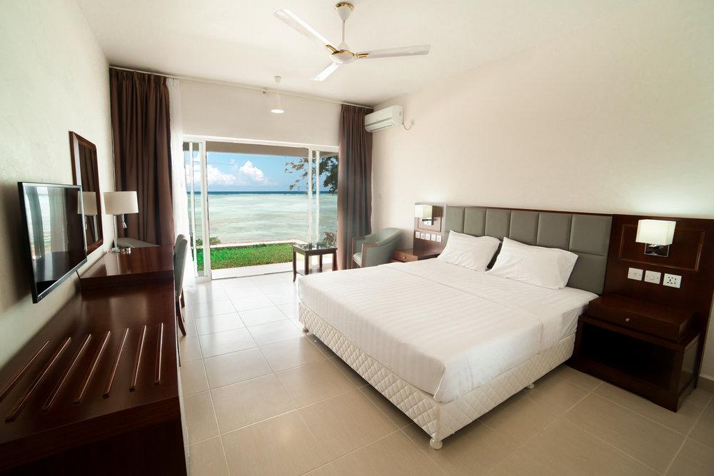 Room 2 Look 5-3.jpg