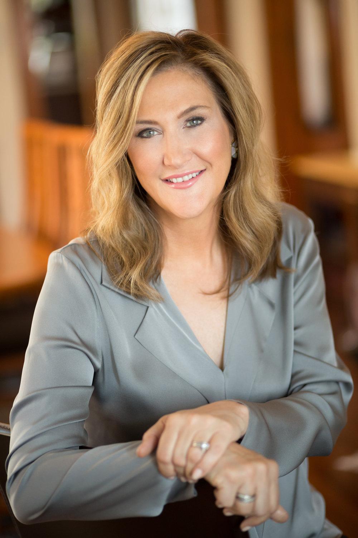 Suzanne Headshot.jpg