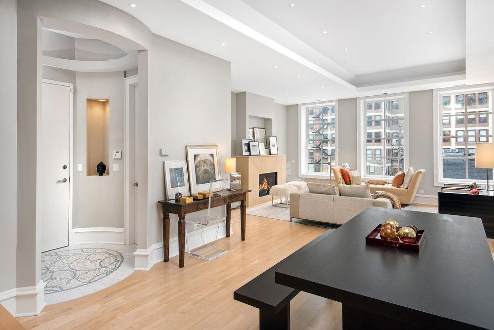 9. Living Room:Dinning Room .jpg