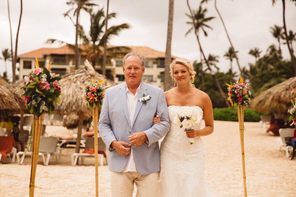 punta-cana-dominican-republic-destination-wedding-beach-ceremony-6731.jpg