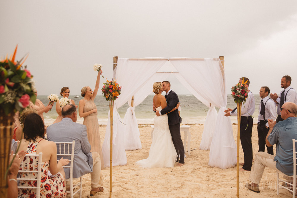 punta-cana-dominican-republic-destination-wedding-beach-ceremony-6864.jpg