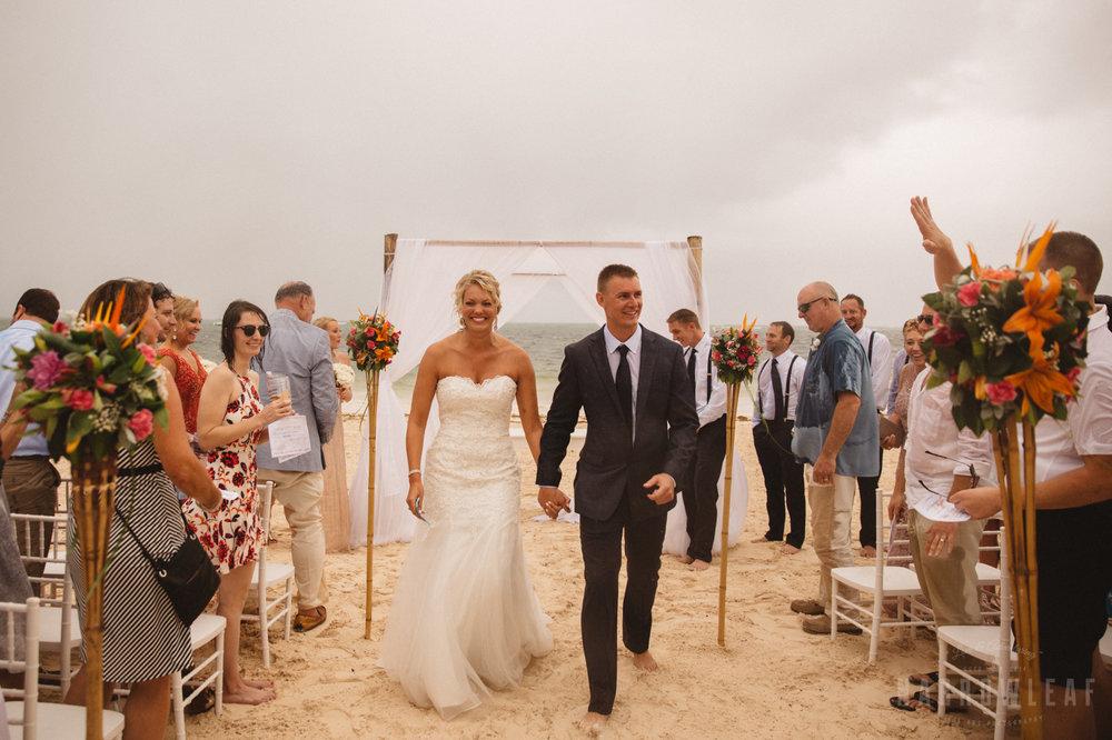 punta-cana-dominican-republic-destination-wedding-beach-ceremony-6895.jpg