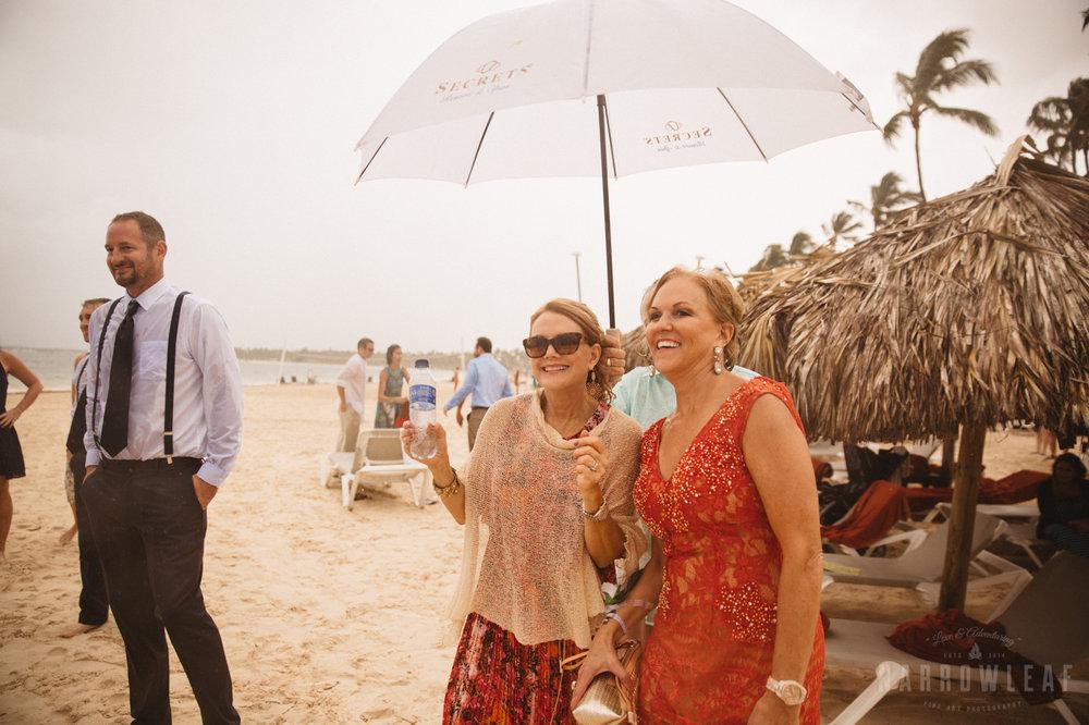 punta-cana-dominican-republic-destination-wedding-beach-ceremony-6932.jpg