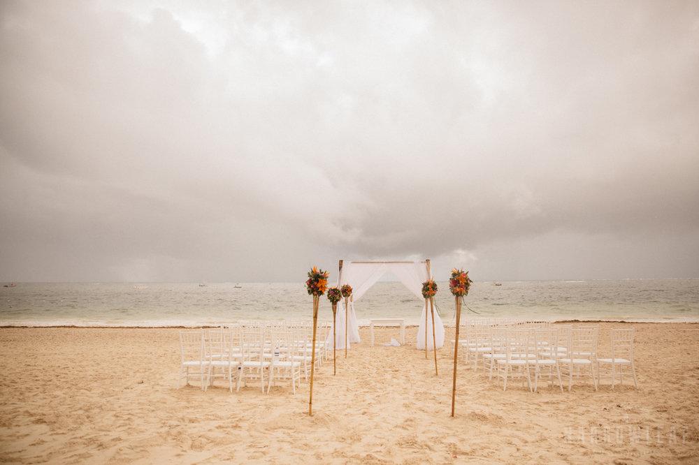 punta-cana-dominican-republic-destination-wedding-beach-ceremony-6961.jpg