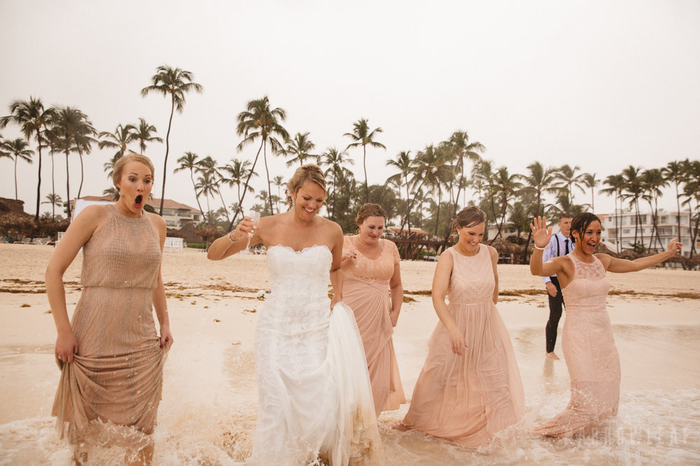 punta-cana-dominican-republic-destination-wedding-beach-ocean-bridal-portraits-7046.jpg