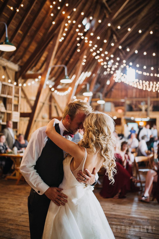 wedding-photography-dellwood-barns-mn-7781.jpg