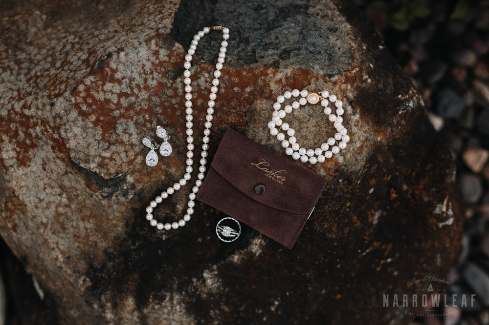 bride-details-pearls-florian-gardens-summer-wedding-wisconsin-57.jpg