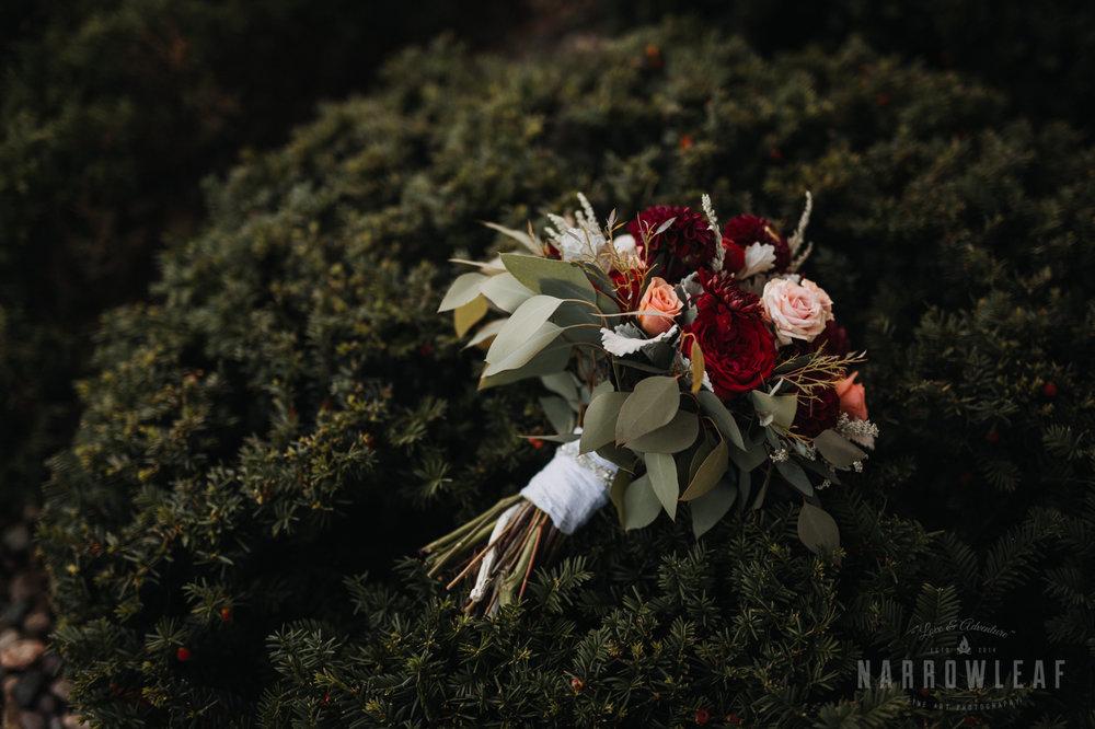 bride-groom-florian-gardens-summer-wedding-wisconsin-91.jpg