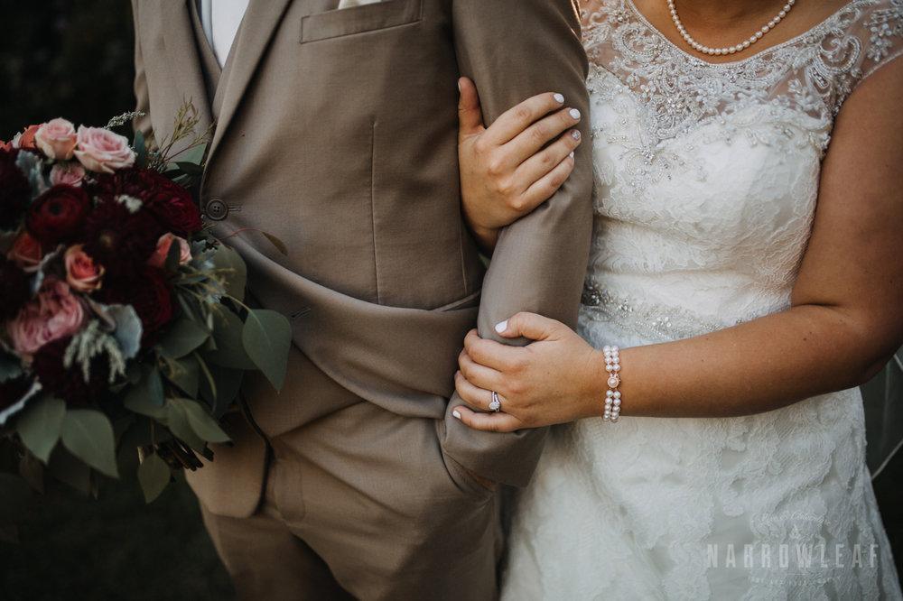 bride-groom-florian-gardens-summer-wedding-wisconsin-115.jpg