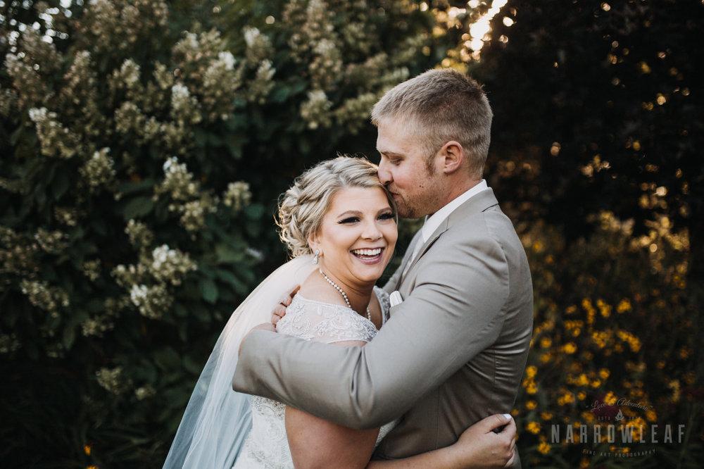 bride-groom-florian-gardens-summer-wedding-wisconsin-121.jpg