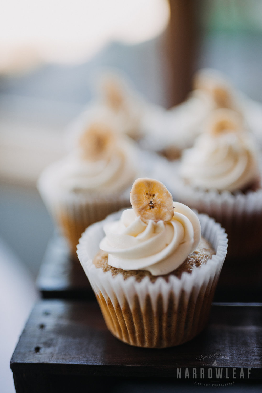reception-cupcake-dessert-florian-gardens-summer-wedding-wisconsin-65.jpg