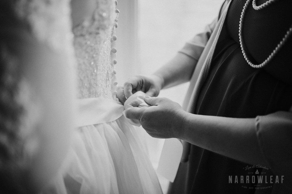 north-shore-elopement-bluefin-bay-bride-prep-90.jpg
