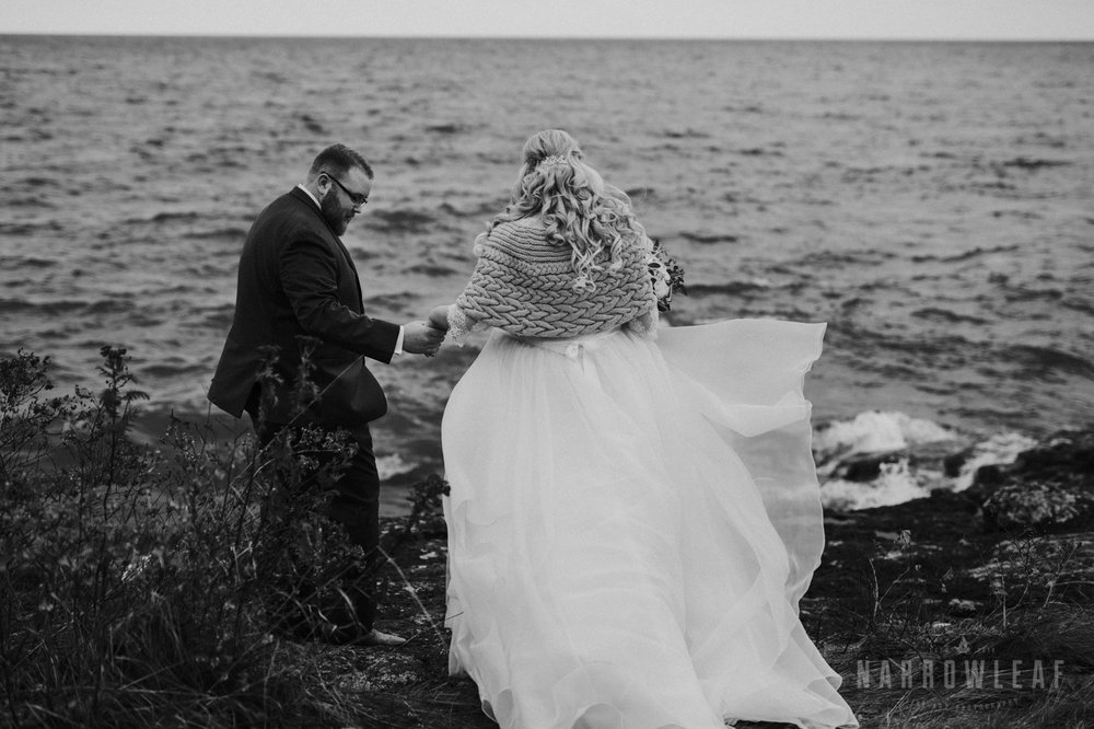 lake-superior-elopement-bluefin-bay-first-look--189.jpg