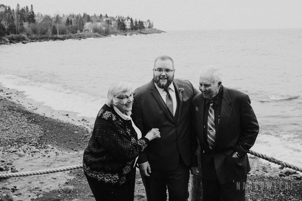 lake-superior-elopement-bluefin-bay-family-60.jpg