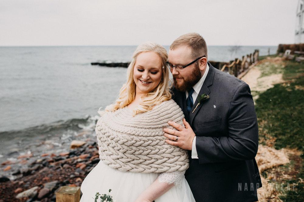 lake-superior-elopement-bluefin-bay-resort-bride-groom-portraits-61.jpg