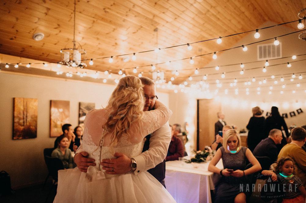 blue-fin-tofte-room-wedding-dance-132.jpg