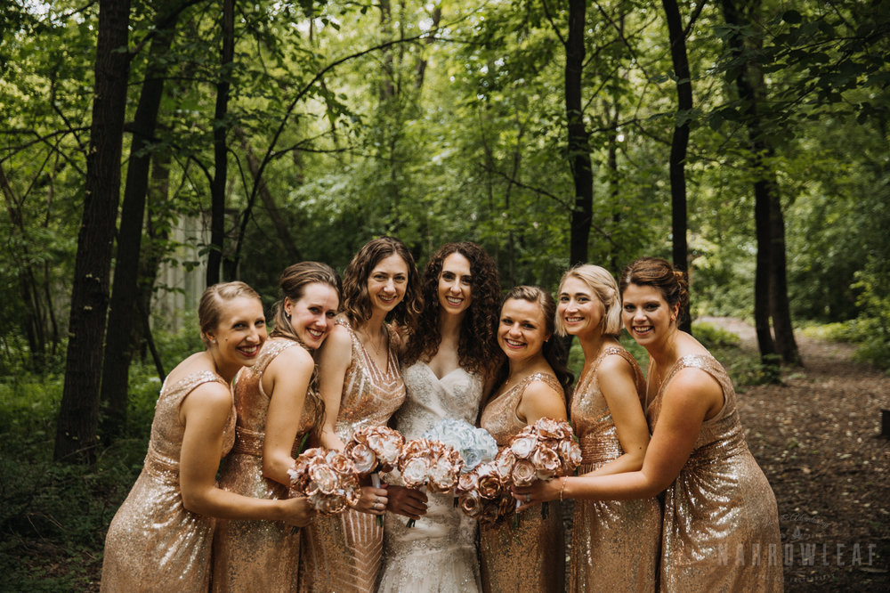 Camp-wooded-wedding-style-midwest-wi-bridal-party-302.jpg