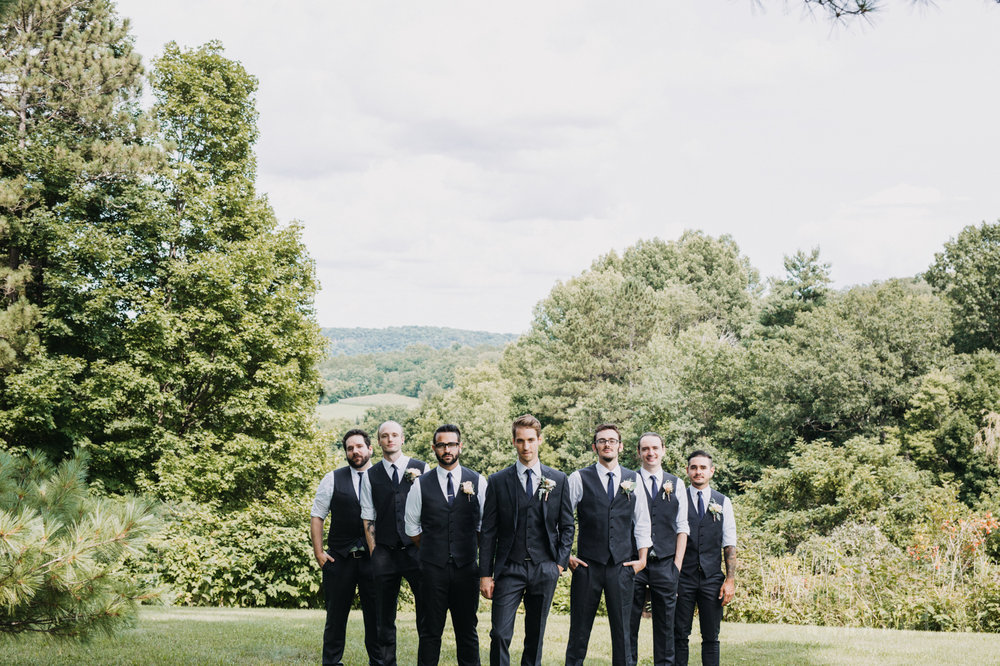the-hilltop-spring-green-wi-groomsmen-boutonniere-302.jpg