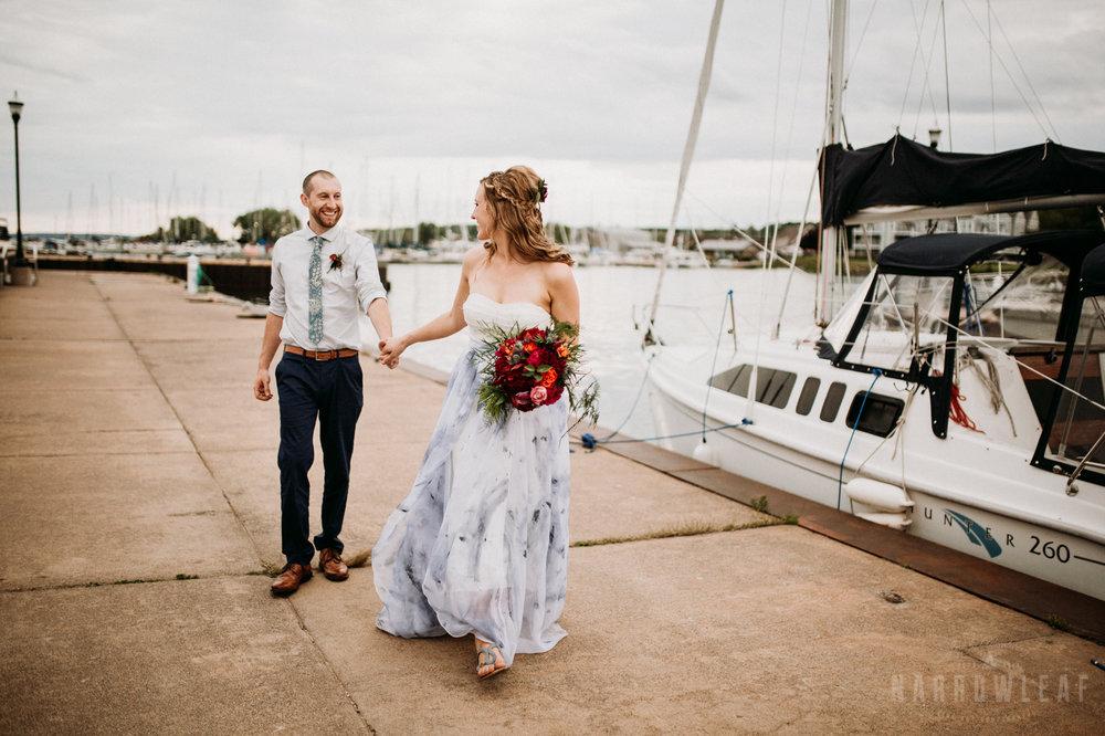 bayfield-wi-lake-superior-wedding-moody-styled-bride-groom-photos-12.jpg