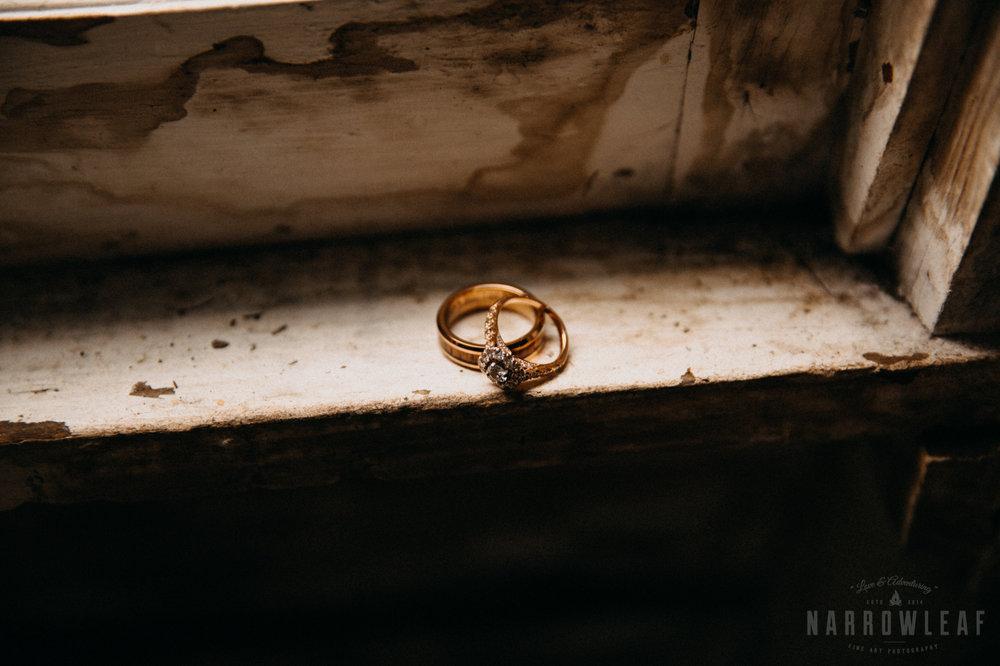 classy-wedding-details-the-hidden-meadow-and-barn-pepin-wi-4.jpg