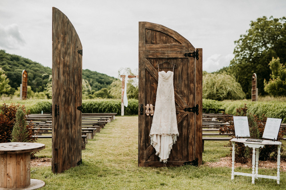classy-wedding-details-the-hidden-meadow-and-barn-pepin-wi-12.jpg