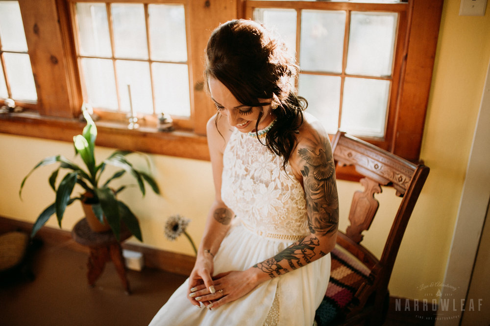 minnesota-outdoor-wedding-elopement-NarrowLeaf_Love_&_Adventure_Photography-5.jpg