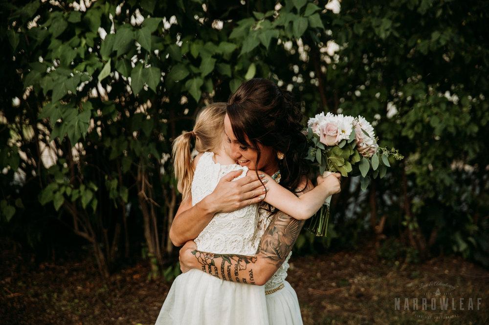 minnesota-outdoor-wedding-elopement-NarrowLeaf_Love_&_Adventure_Photography-18.jpg