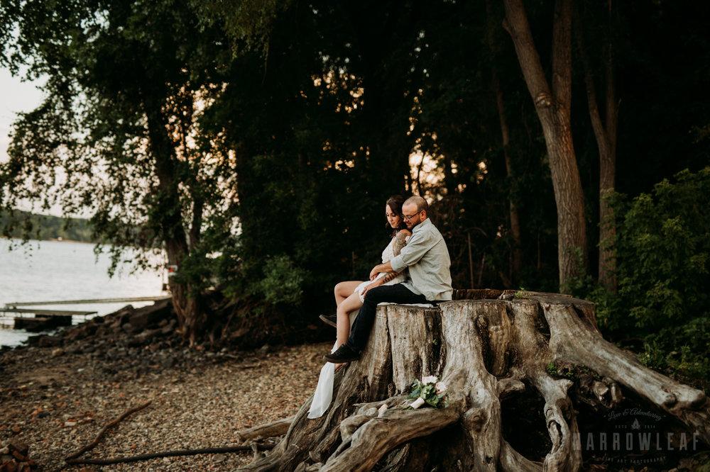 minnesota-outdoor-wedding-elopement-NarrowLeaf_Love_&_Adventure_Photography-25.jpg