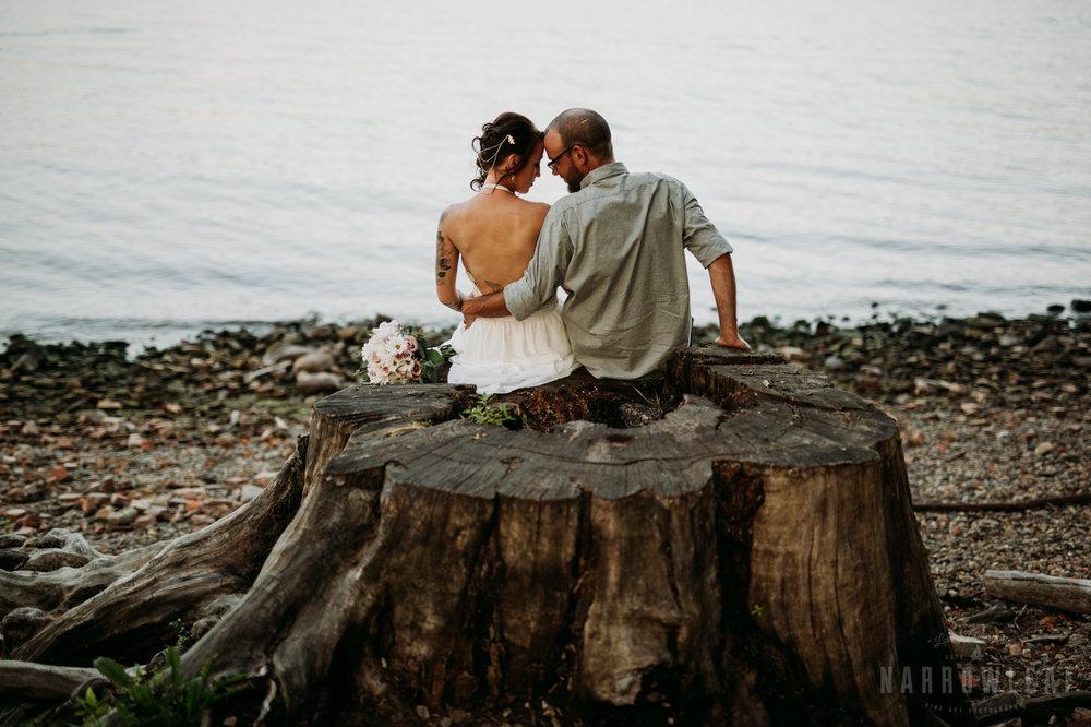 minnesota-outdoor-wedding-elopement-NarrowLeaf_Love_&_Adventure_Photography-26.jpg