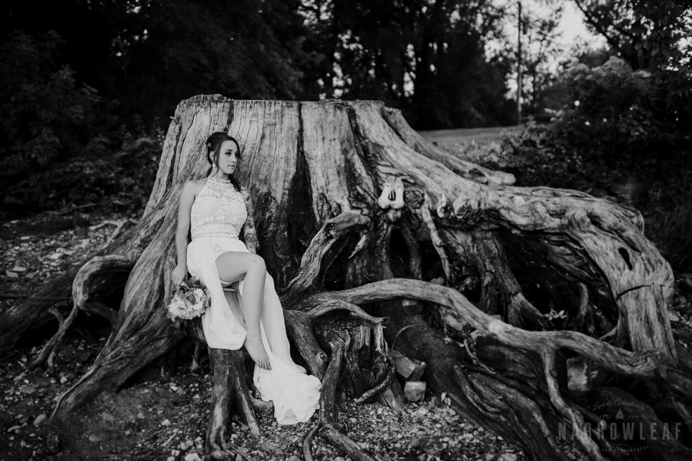 minnesota-outdoor-wedding-elopement-NarrowLeaf_Love_&_Adventure_Photography-31.jpg