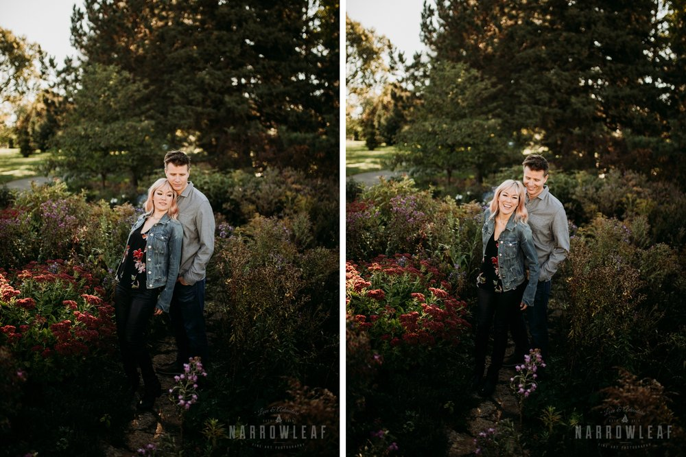 garden-engagement-at-como-park-conservatory-st-paul-mn-003-004.jpg