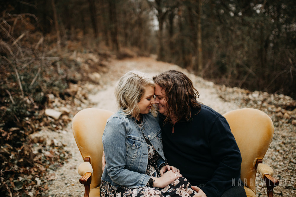 fall-engagement-couple-photos-prescott-wi-narrowleaf-photography-8.jpg