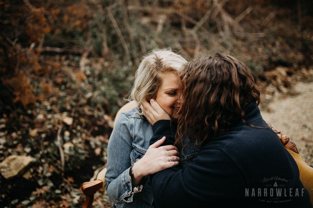 fall-engagement-couple-photos-prescott-wi-narrowleaf-photography-11.jpg