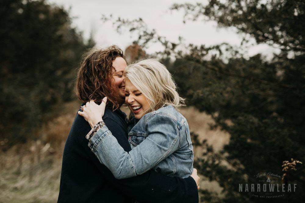 fall-engagement-couple-photos-prescott-wi-narrowleaf-photography-19.jpg