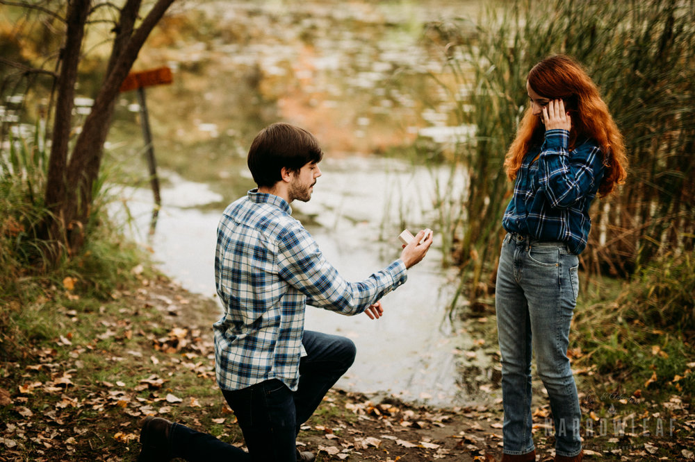fall-engagement-lebanon-hills-mn-NarrowLeaf_Adventure_Photography-6.jpg
