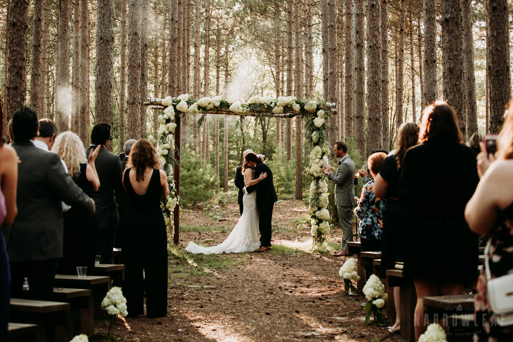 woodsy-boho-wedding-ceremony-burlap-and-bells-wi-NarrowLeaf_Love_&_Adventure_Photography-11.jpg