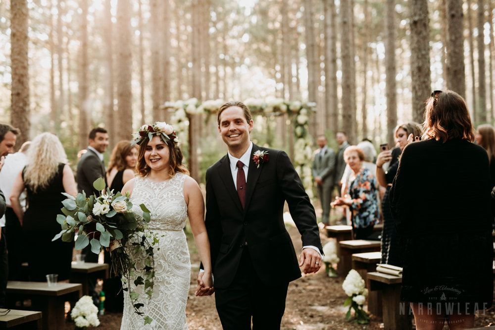 woodsy-boho-wedding-ceremony-burlap-and-bells-wi-NarrowLeaf_Love_&_Adventure_Photography-12.jpg
