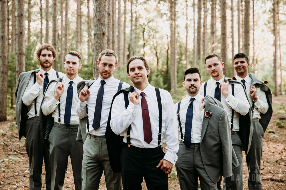 woodsy-bridal-party-burlap-and-bells-wi-NarrowLeaf_Love_&_Adventure_Photography-6.jpg