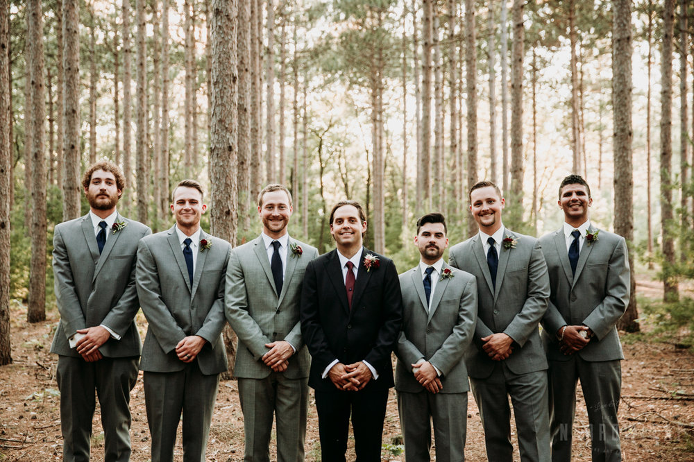 woodsy-bridal-party-burlap-and-bells-wi-NarrowLeaf_Love_&_Adventure_Photography-5.jpg