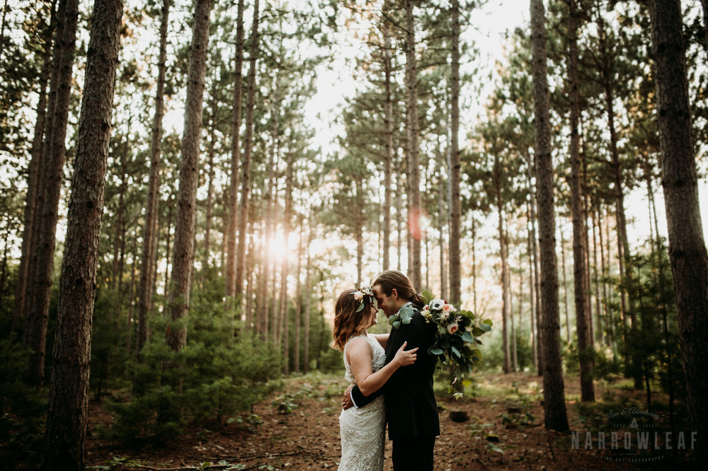 woodsy-bride-groom-romantic-sunset-burlap-and-bells-wi-Narrowleaf-Adventure-Photography-5.jpg