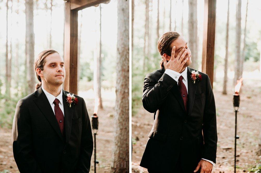 wooded-wedding-burlap-bells-wisconsin-005-006.jpg