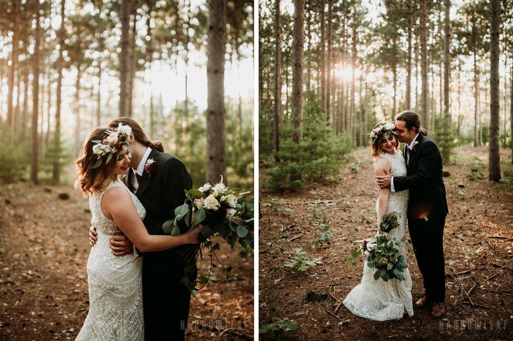 wooded-wedding-burlap-bells-wisconsin-009-010.jpg