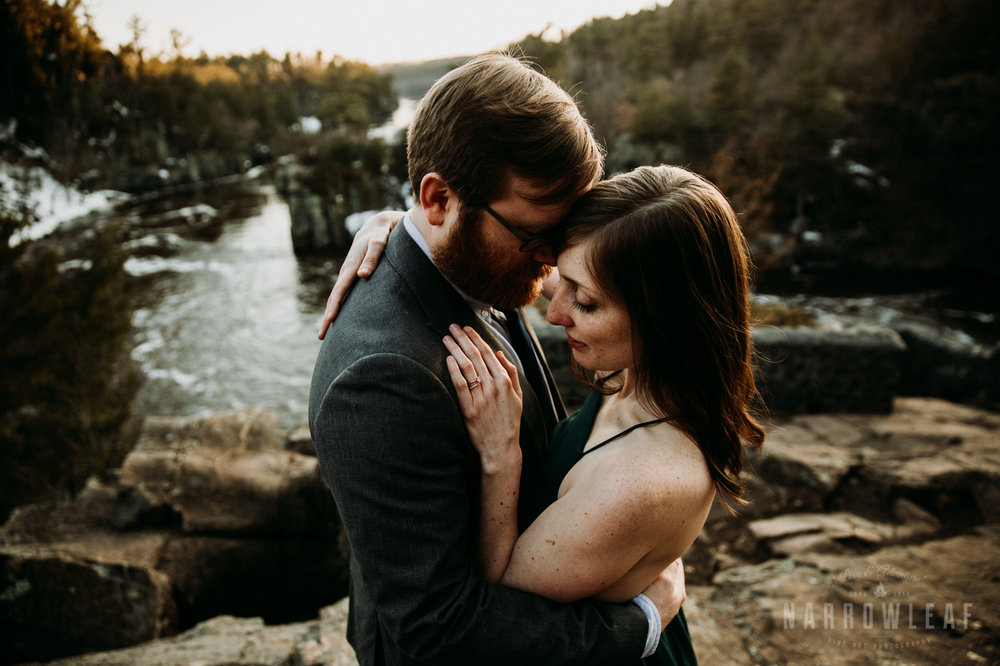 Spring-moody-wisconsin-woodsy-elopement-NarrowLeaf_Love_&_Adventure_Photography-9159.jpg