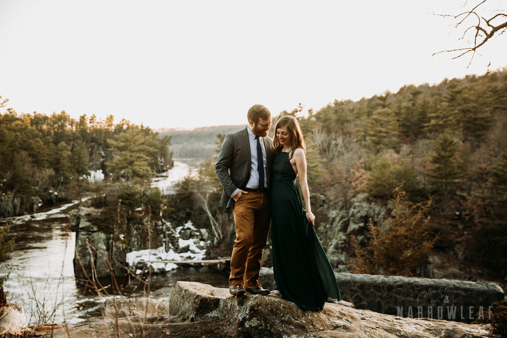 Spring-moody-wisconsin-woodsy-elopement-NarrowLeaf_Love_&_Adventure_Photography-9201.jpg
